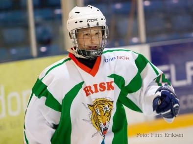 Kristian Nervik Nilsen - en svært lovende ishockey spiller som måtte legge opp i en alder av 16 år på grunn av hjertefeil. Er nå trener i Brynäs.